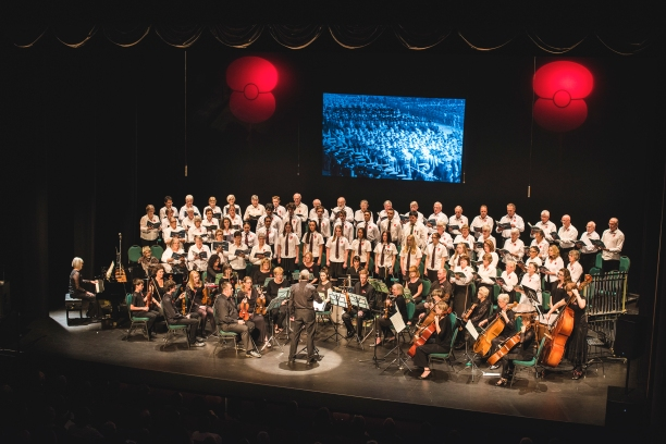 Full choir and orch