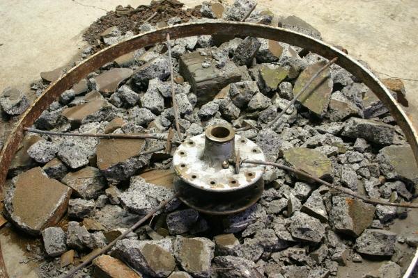 13 broken-concrete wheels 1147